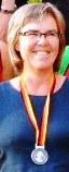 Den stolte debutant Anna Marie med medalje
